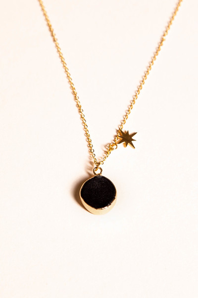 Collier Lucil